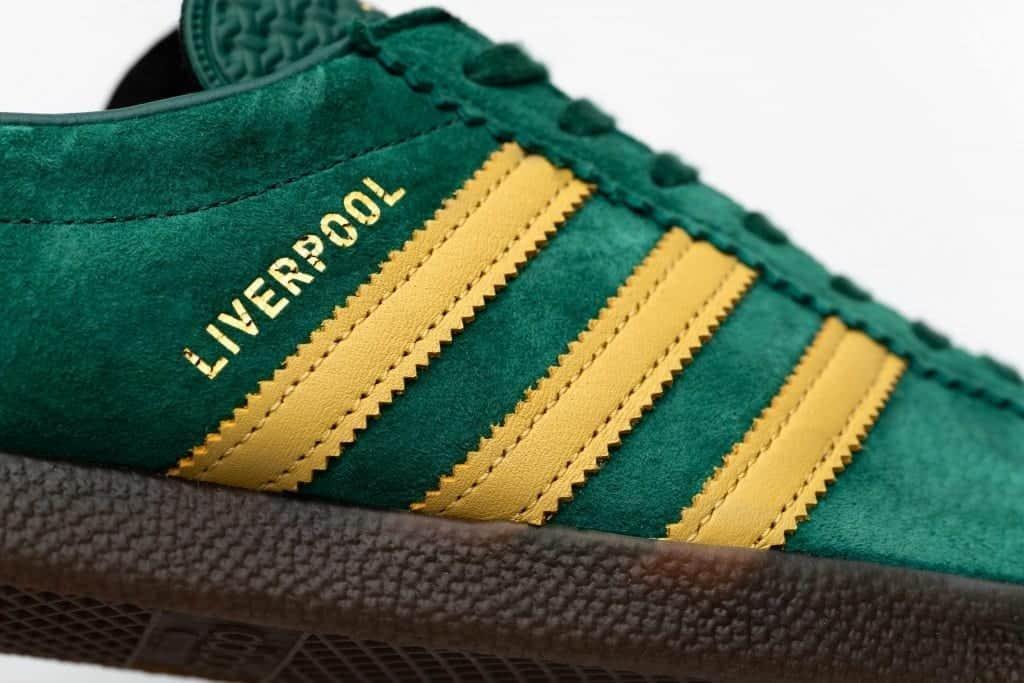 Profesor de escuela mar Mediterráneo Distracción  size? unveils exclusive adidas Originals Liverpool trainer
