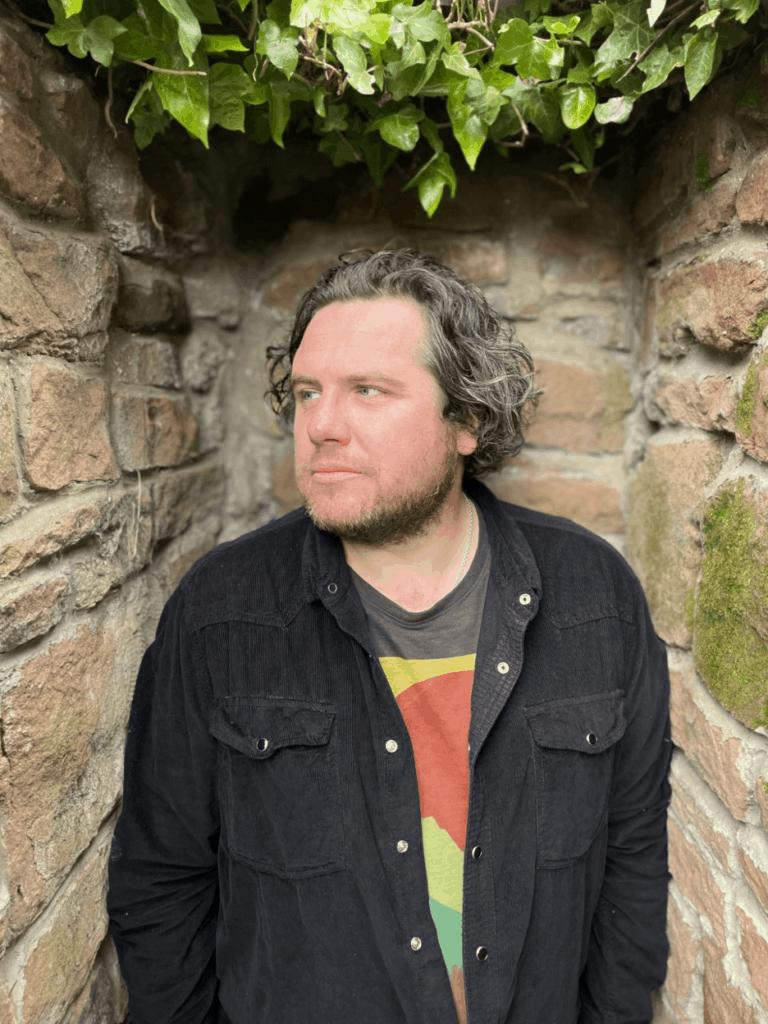 Matt Jacobson interviews singer/songwriter Alan O'Hare