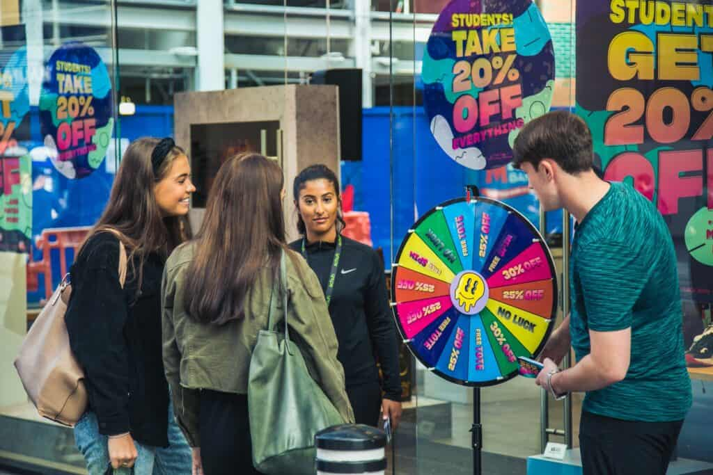 Liverpool ONE welcomes students with live entertainment, discounts and offers